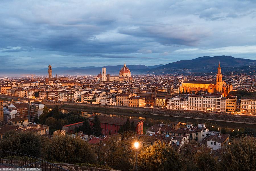 Вид на Флоренцию со смотровой площадке на ближайшем холме