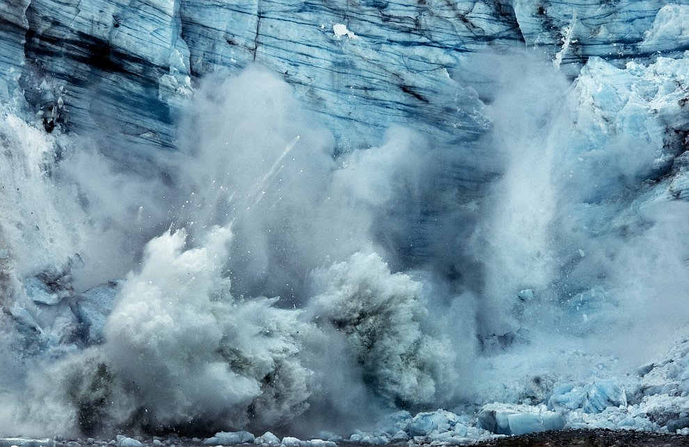 Рождение айсбергов из ледника Margerie
