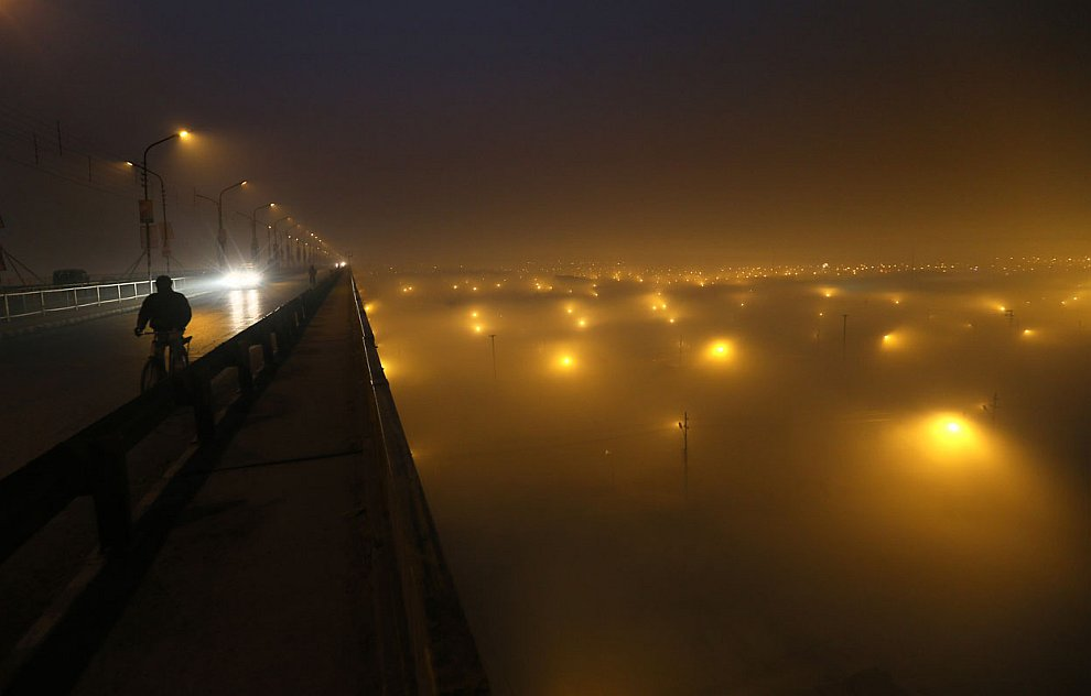 Утро в местечке Сангам у города Аллахабад в Индии