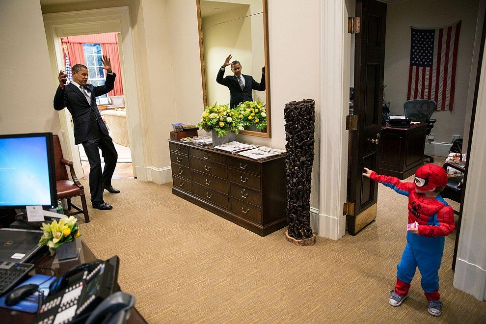 Рядом с Овальным кабинетом — рабочим кабинетом президента США в Белом доме
