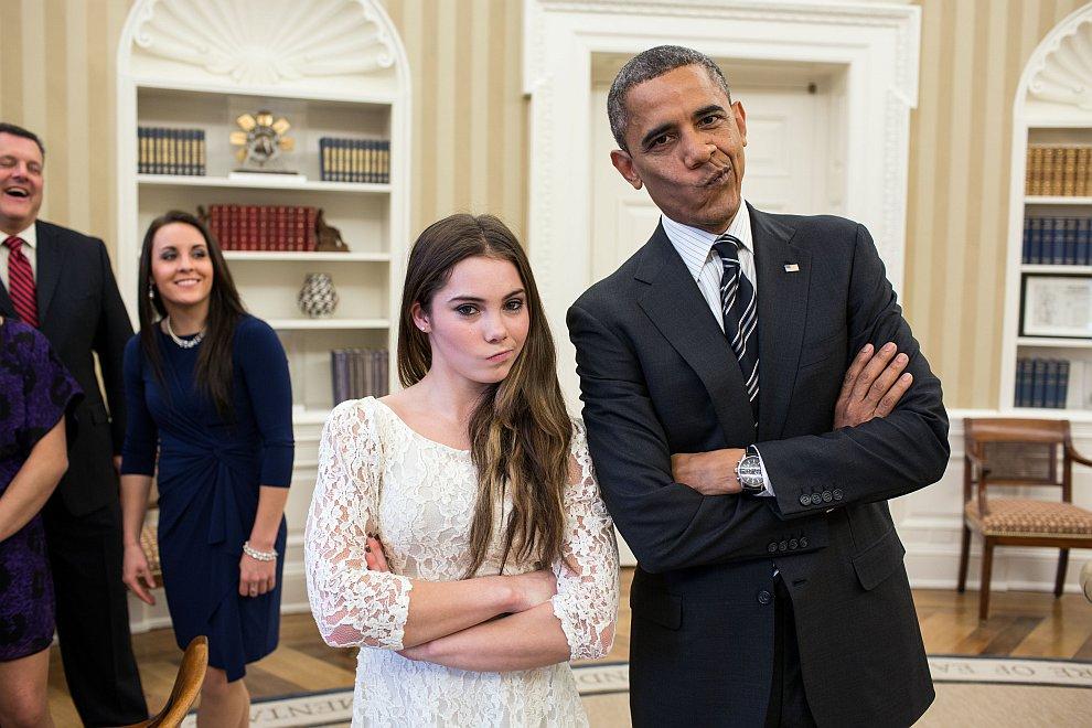 Президент и гимнастка McKayla Maroney. На встрече с олимпийцами