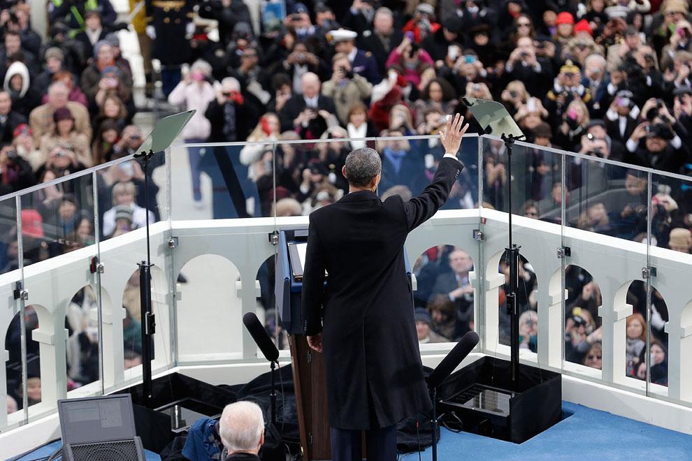 Барак Обама призвал к объединению все политические силы и всех граждан. По словам президента США, времена войн давно прошли