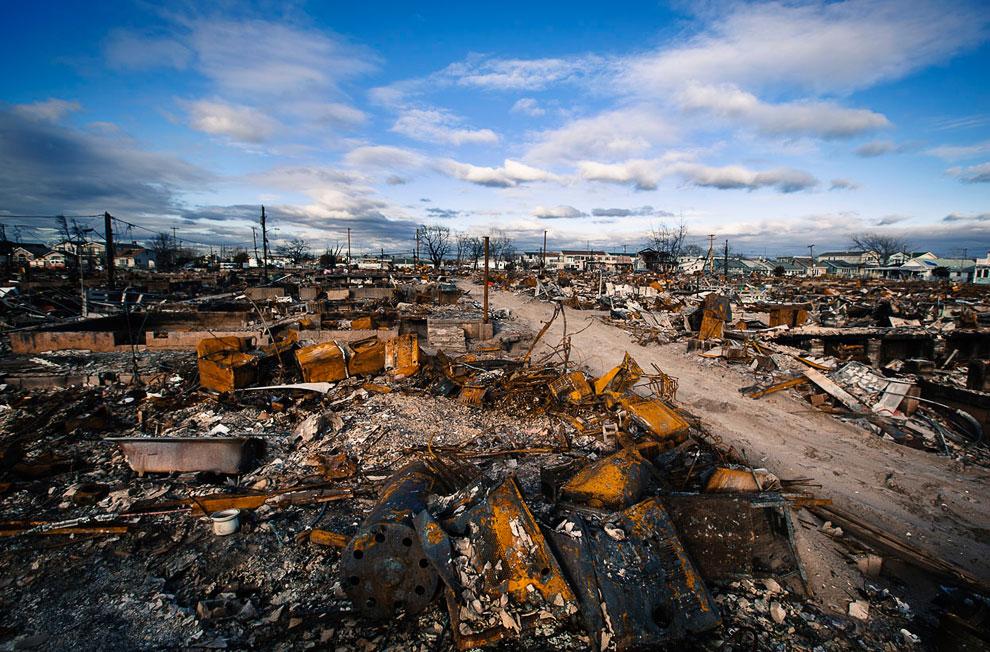 До полного восстановления городов на побережье США еще далеко…(