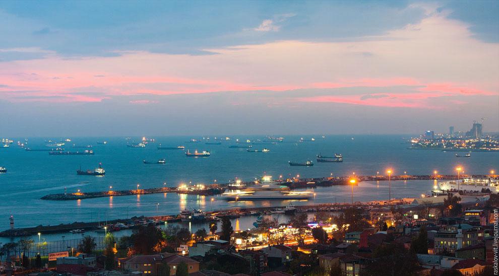 Мраморное море на закате