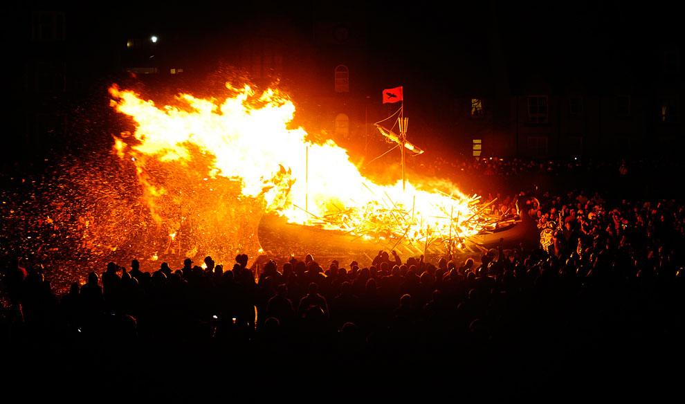 Праздник огня Апхеллио 2013