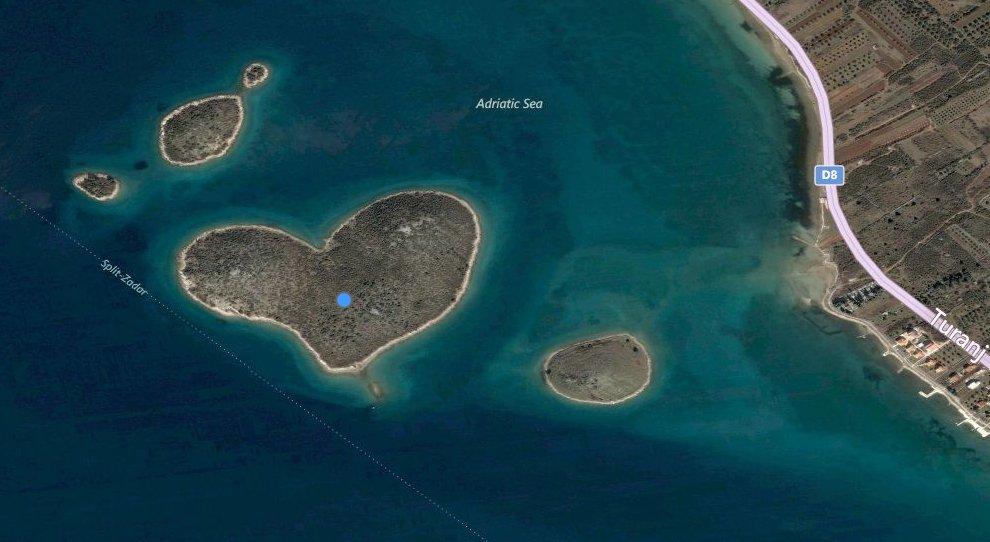 Галешняк — остров у хорватского побережья Адриатического моря