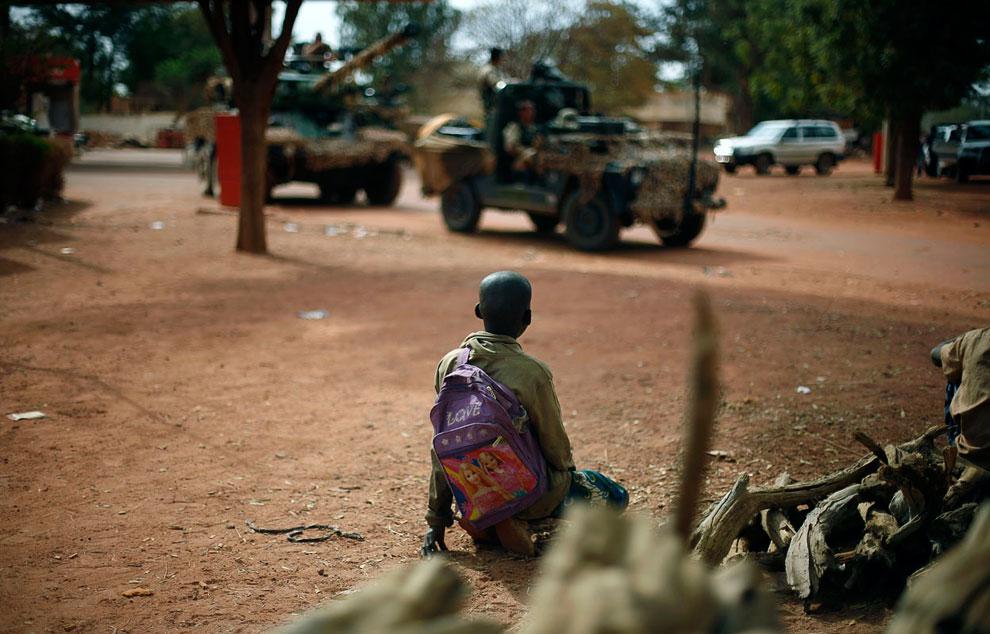 В настоящее время численность французских войск в Мали составляет почти 4 000 человек