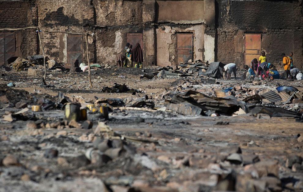 Сгоревший рынок в городе Гао