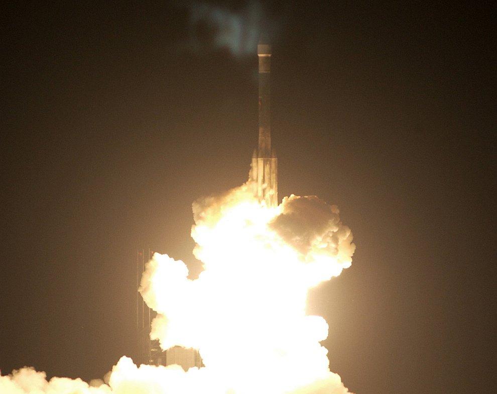 Марсоход Оппортьюнити отправляется на Марс с мыса Канаверал, штат Флорида