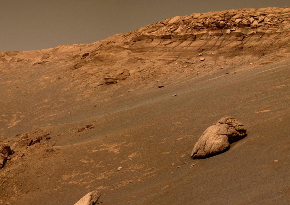 На склонах ударного кратера Эндьюранс