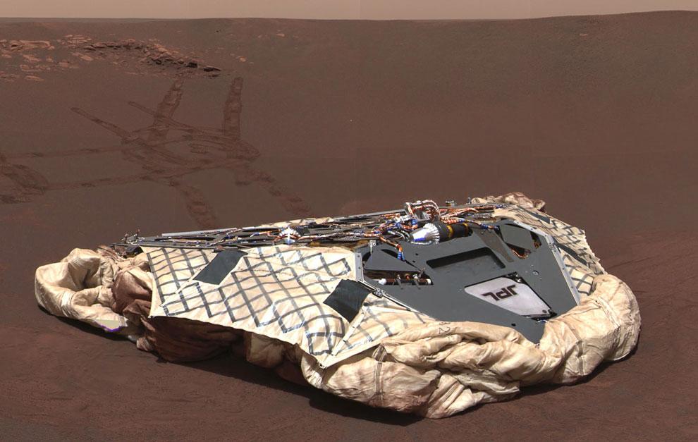 Спускаемый зон марсохода и следы от колес