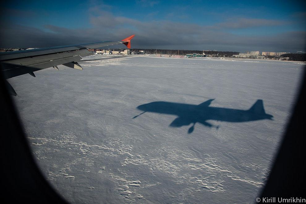 И вот, наш самолет коснется взлетно-посадочной полосы в ближайшие секунды