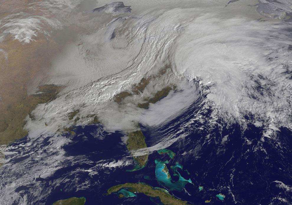 Снежная буря «Немо». Снимок из космоса