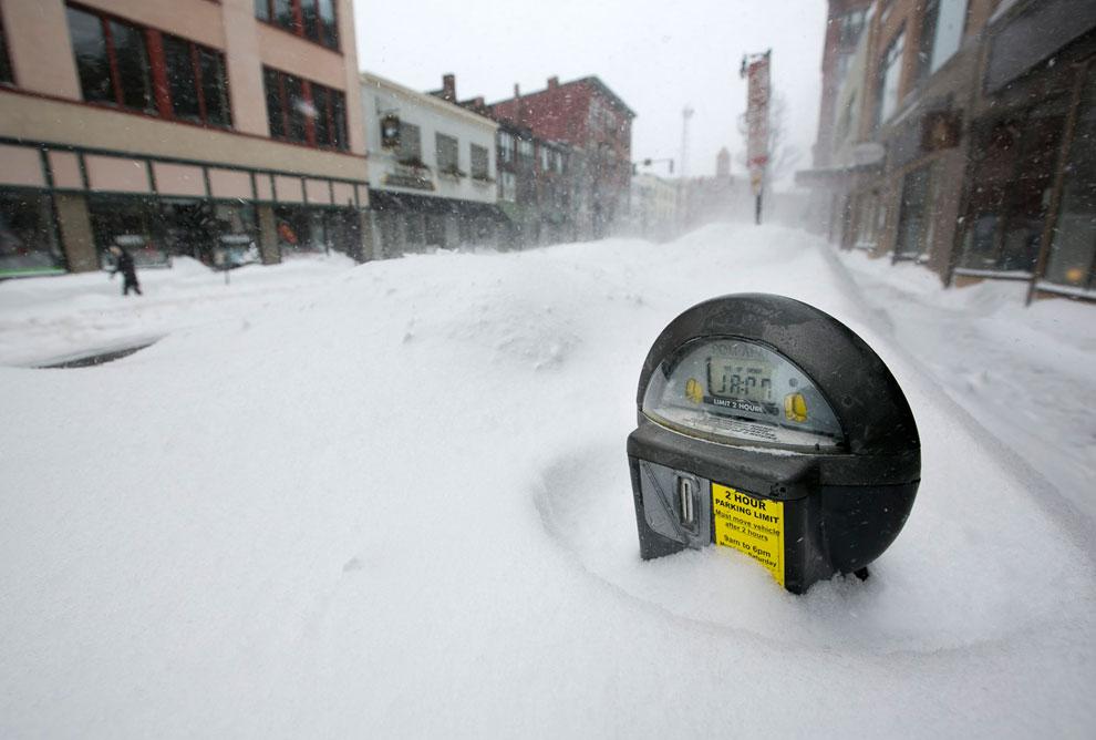 Снежная буря «Немо» в США