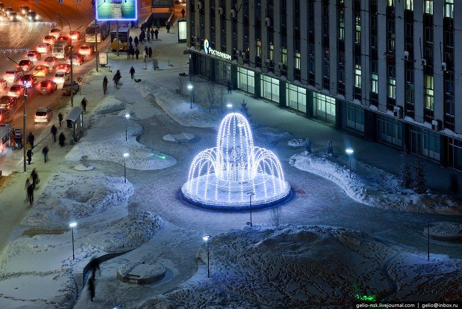 Световой фонтан с эффектом падающей воды