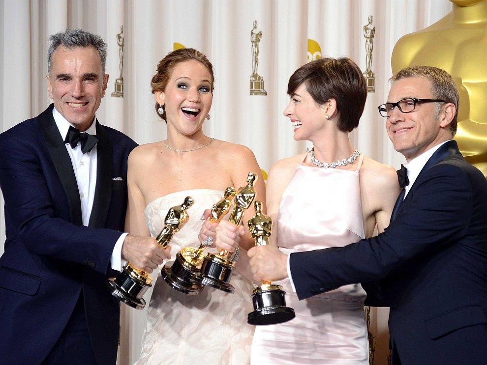 Лучший актер Дэниел Дэй-Льюис, лучшая актриса Дженнифер Лоуренс, лучшая актриса второго плана Энн Хэтэуэй, лучший актер второго плана Кристофер Вальц