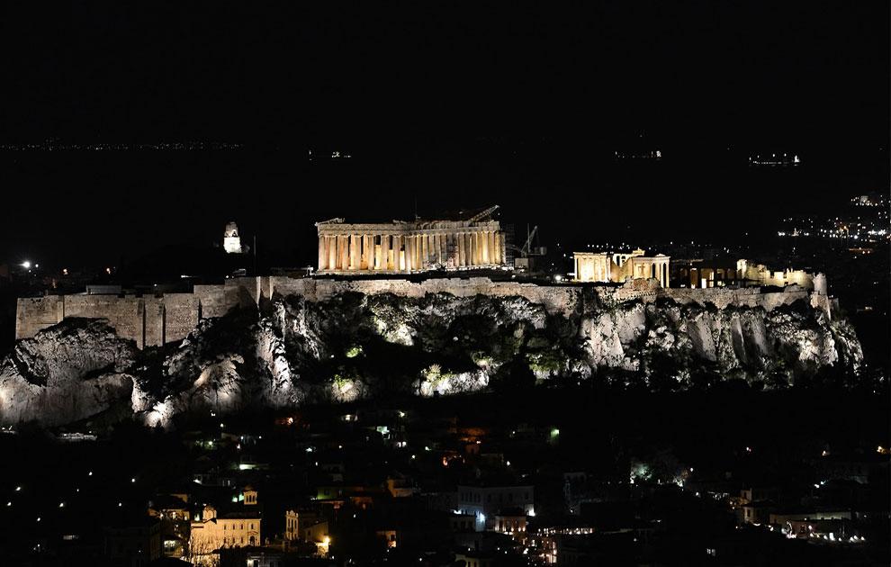 Древний храм Парфенон на вершине Акрополя, Афины, Греция