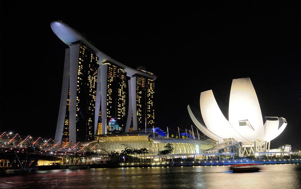 Отель Marina Bay Sands и здание музея ArtScience
