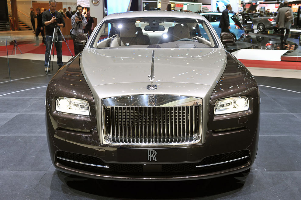 Rolls-Royce Wraith (призрак) со «звездным небом»
