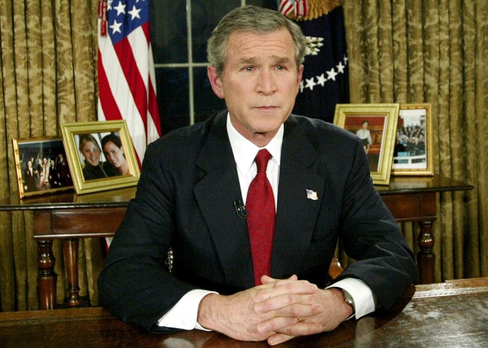 Президент США Джордж Буш объявляет о начале войны между США и Ираком