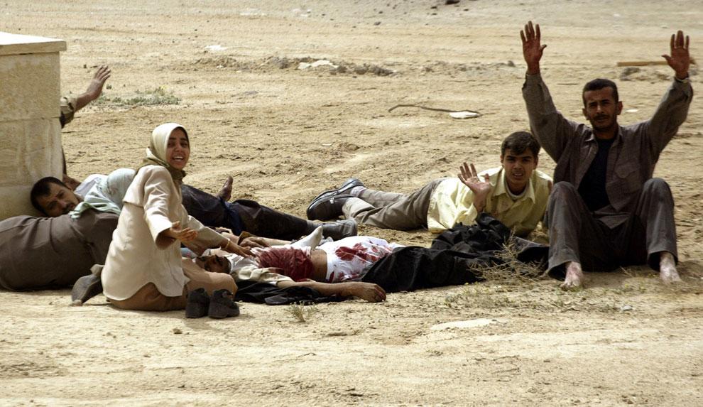 Крик о помощи мирных жителей, попавших под перекрестный огонь у порта порт Умм-Каср, Ирак