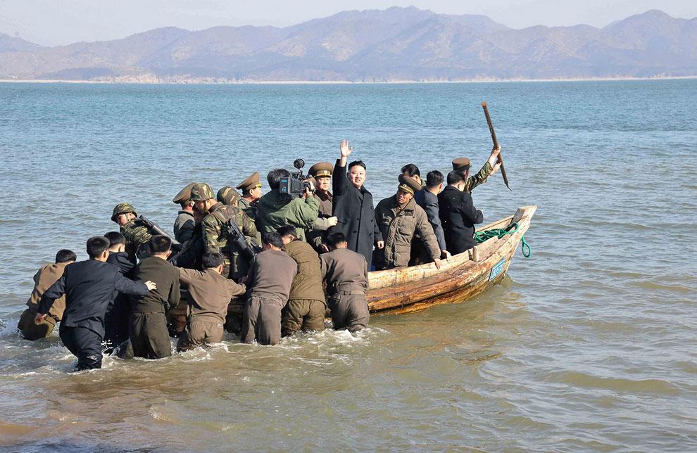 Лодка выглядит вызывающе эпатажно
