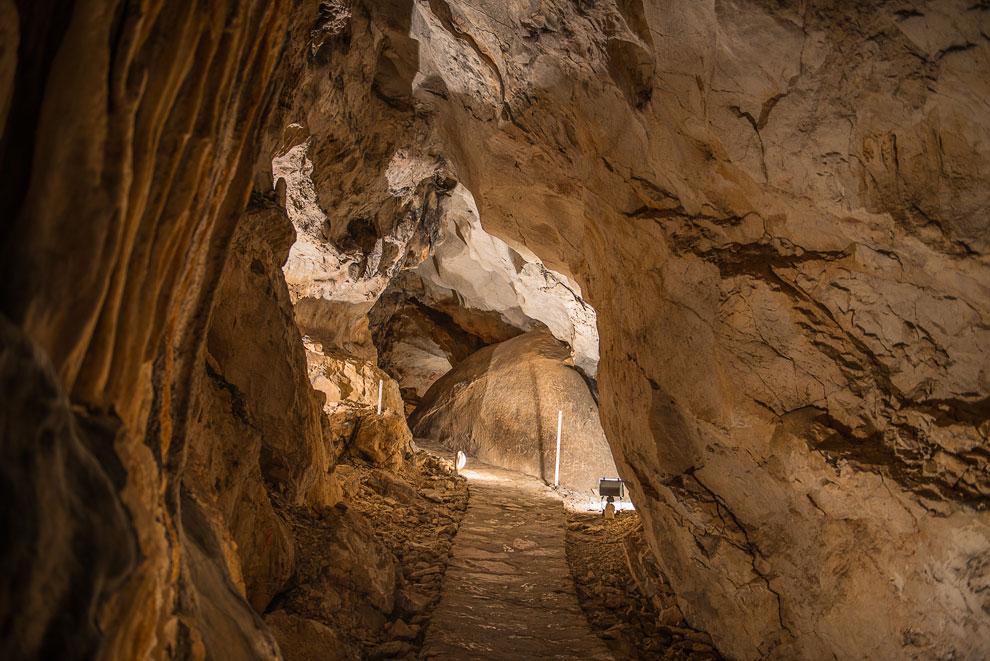 Крупнейшая пещера в Болгарии