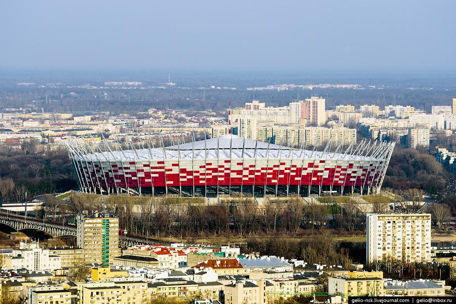 Футбольный стадион, построенный в 2011 году