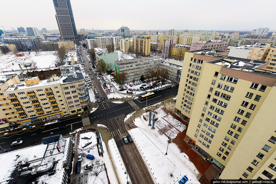 Перекресток улиц Zelazna и Chlodna