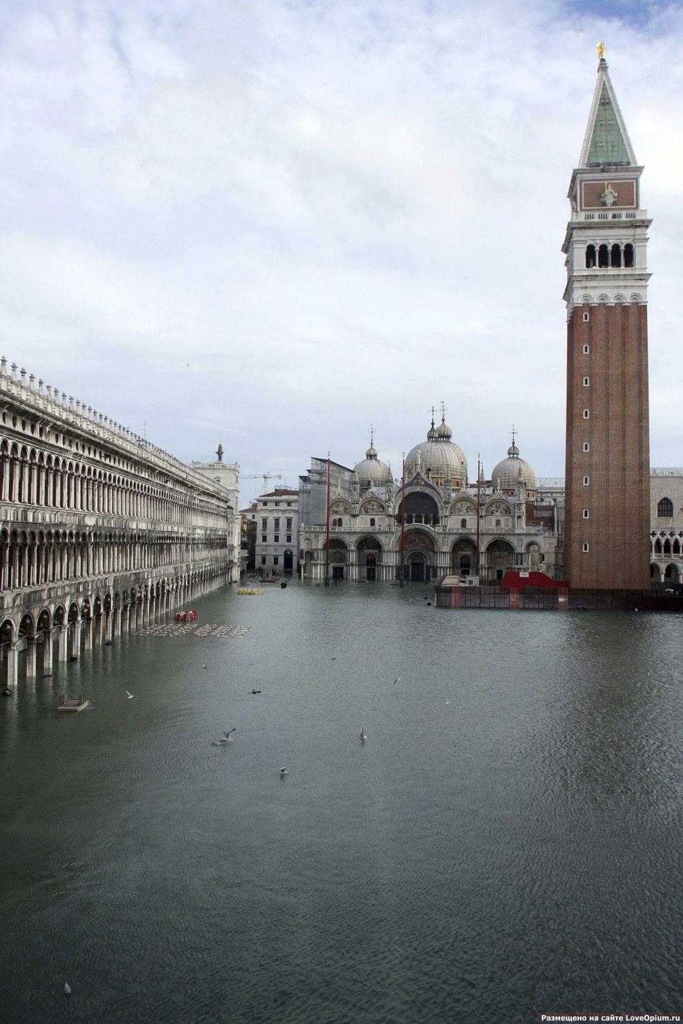 Затопленная площадь Сан Марко