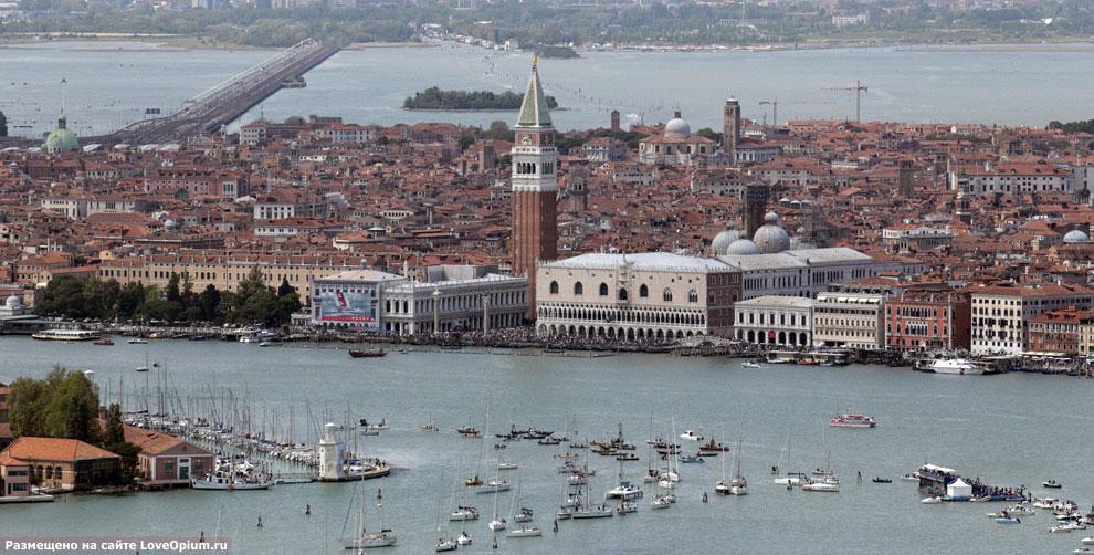 Вид с воздуха на площадь Сан Марко