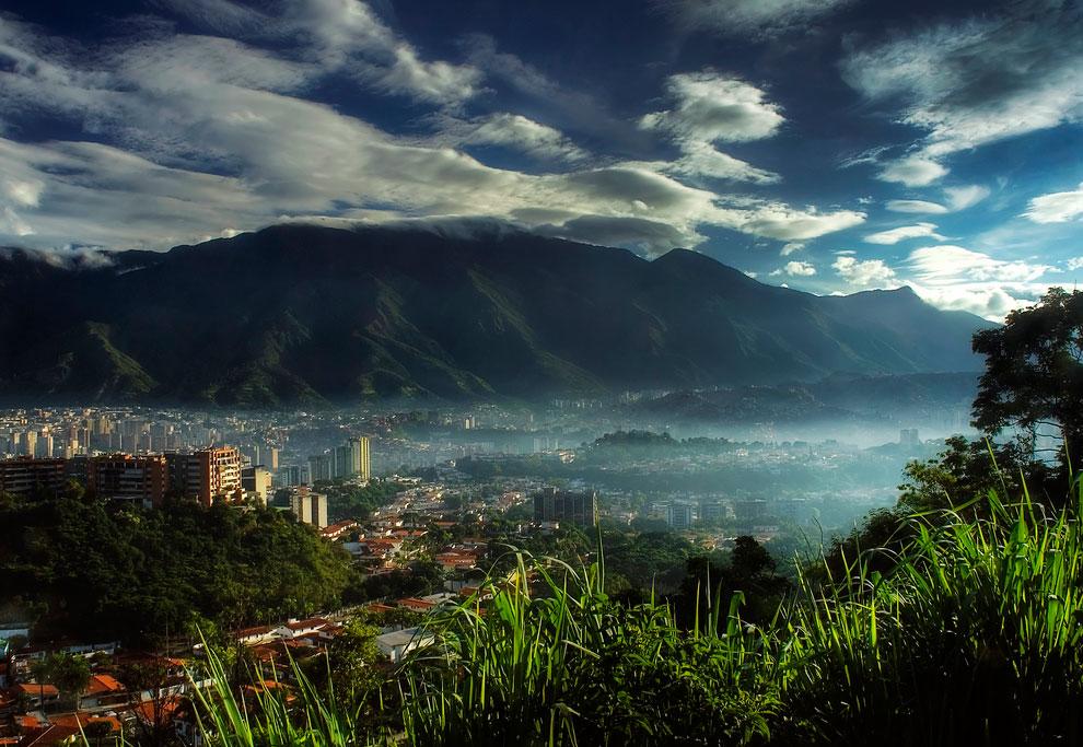 Замыкает тройку лидеров столица Венесуэлы Каракас — здесь 119 убийств на 100 тысяч населения