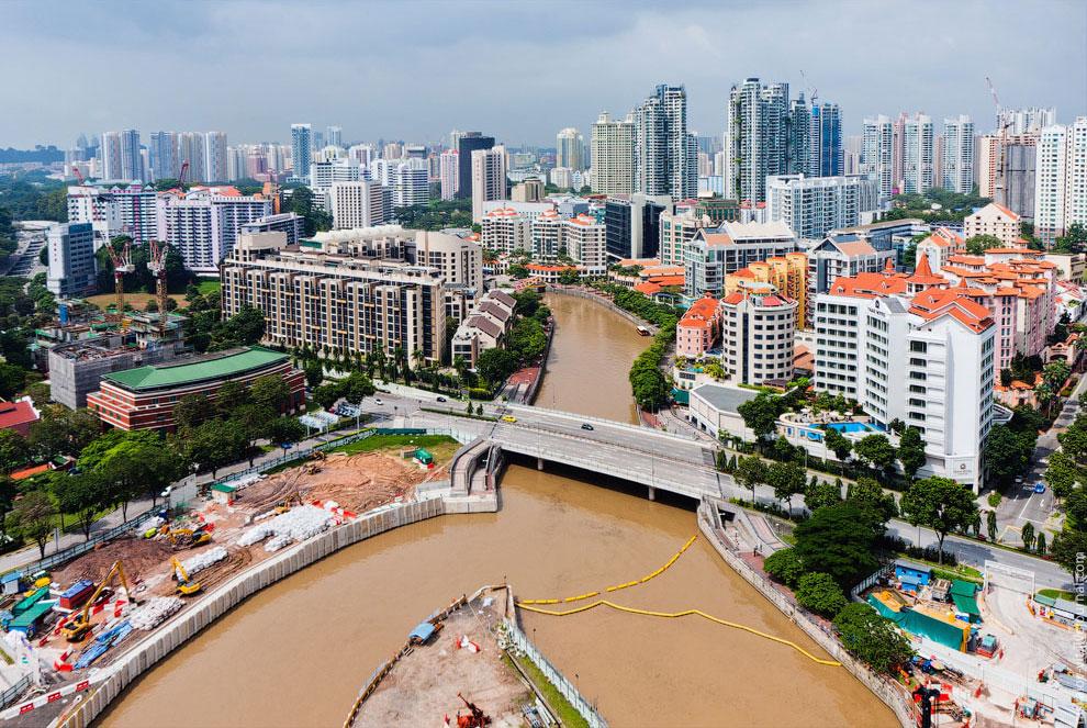 Это уже начинаются спальные районы Сингапура