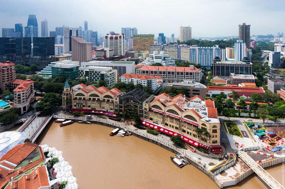 Знатоки Сингапура, помогите объяснить почему река в таком чистом городе настолько загрязнена