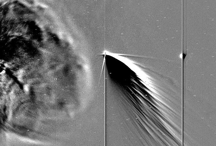 Pan-STARRS — непериодическая околосолнечная комета
