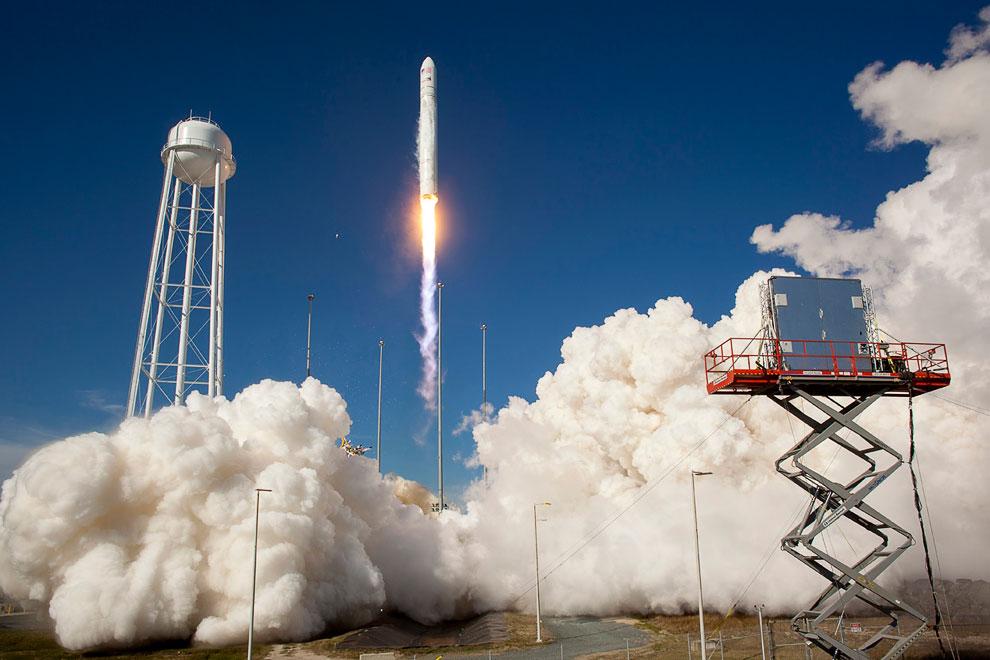 Тестовый запуск ракеты «Антарес»