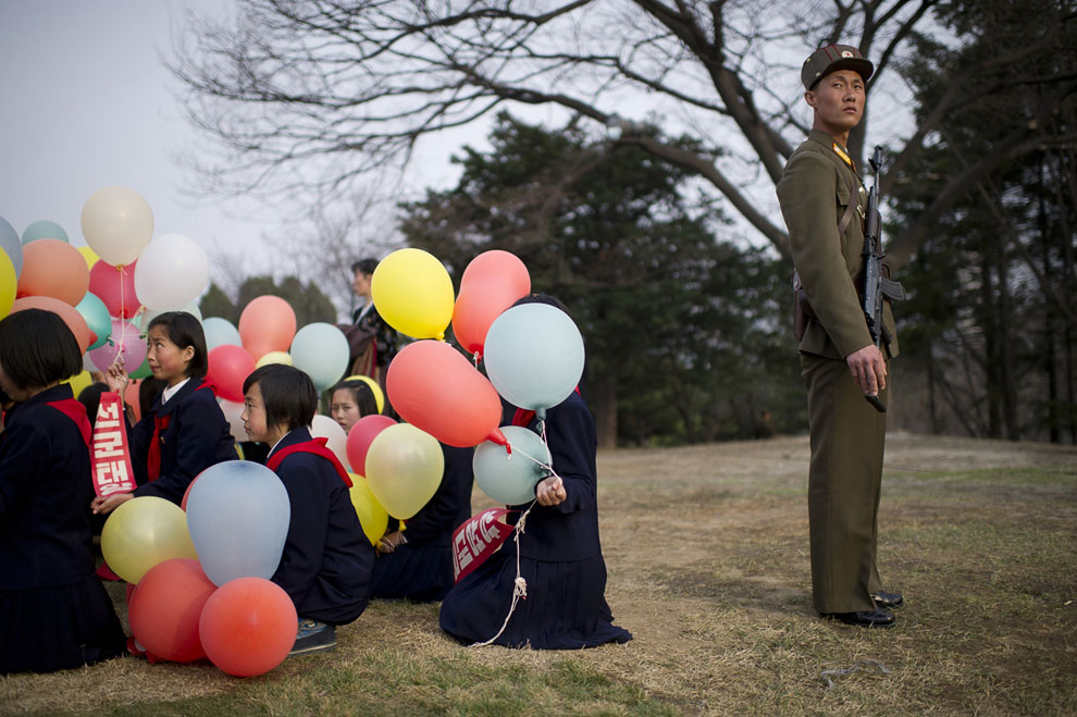 На праздновании 100-летия со дня рождения основателя Северной Кореи Ким Ир Сена в Пхеньяне