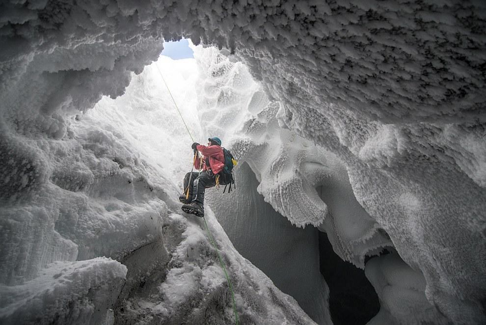 В ледяной пещере горы Эребус