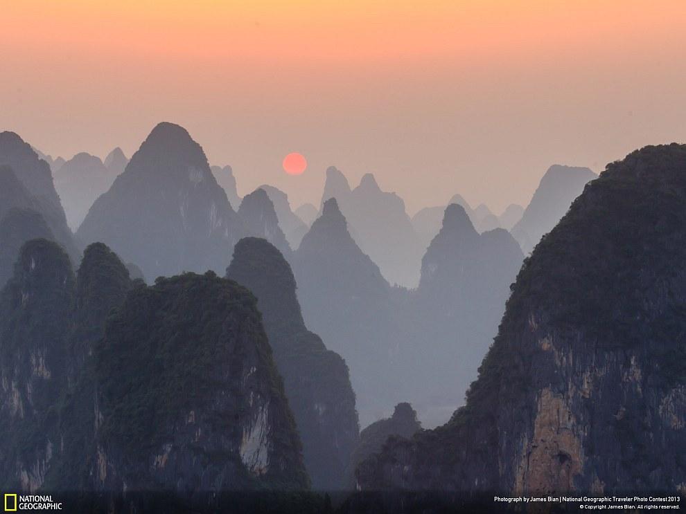 Закат на реке Ли, район Гуанси, Китай