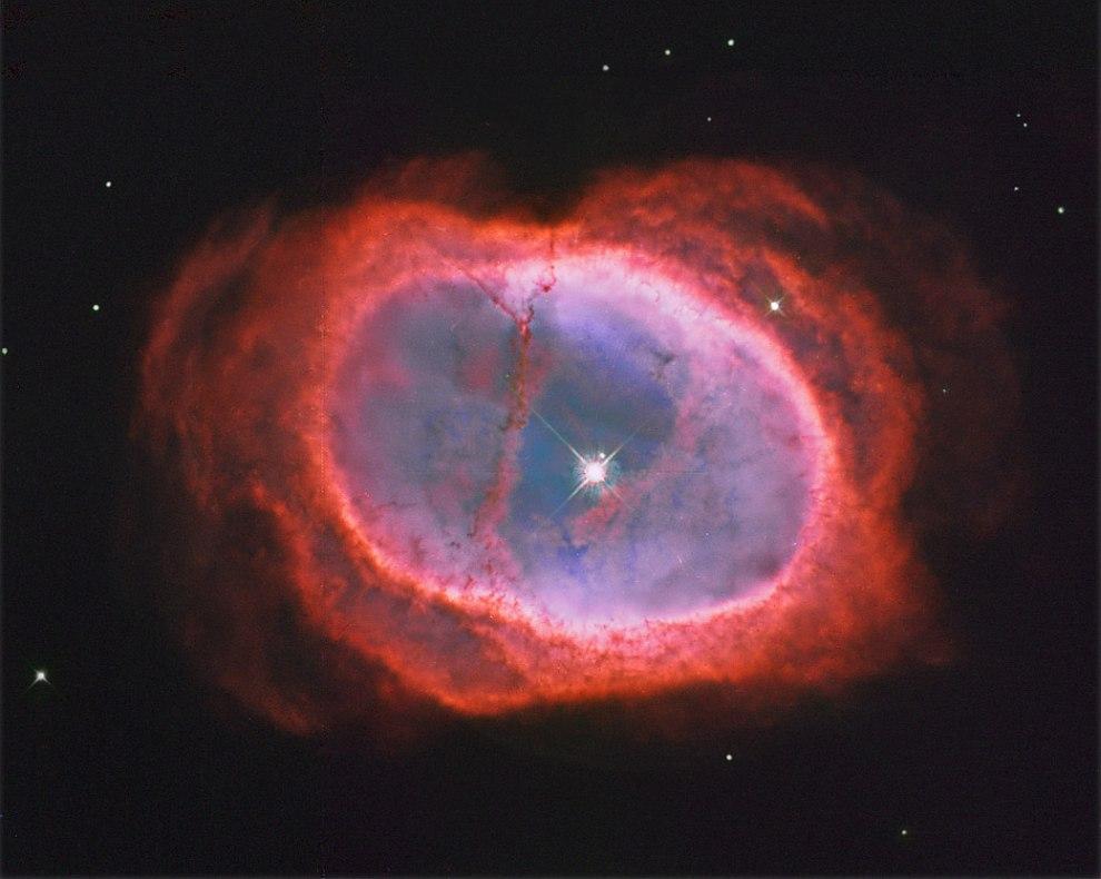 окружающее двойную звёздную систему