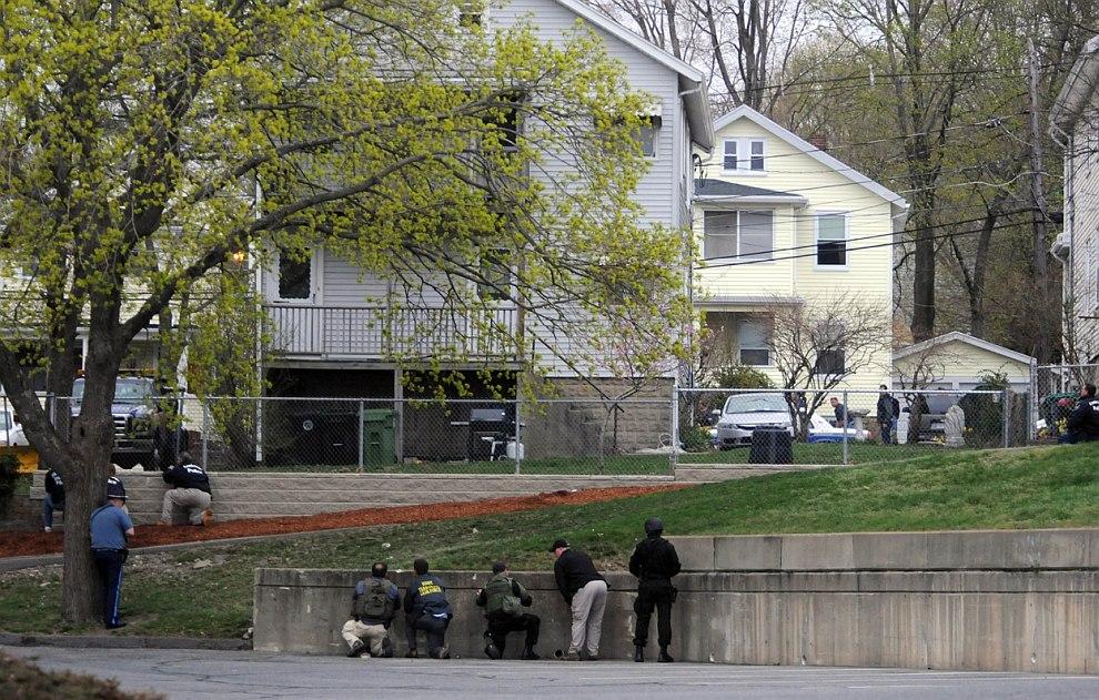 Это здание, где укрывался предполагаемый бостонский террорист