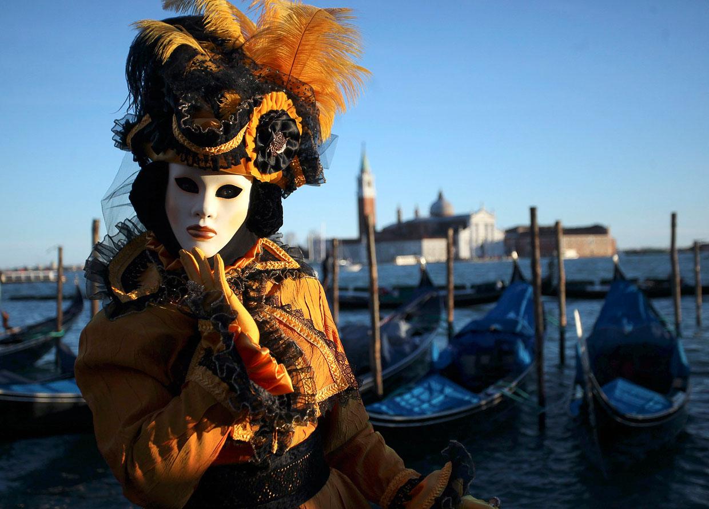 На площади Сан-Марко во время венецианского карнавала