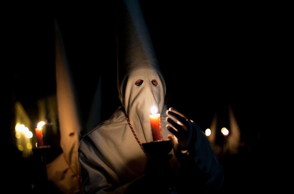 Ритуальные маски надеваются участниками различных обрядов