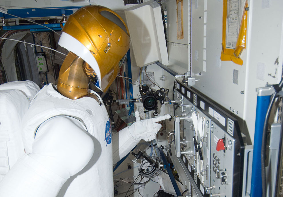 «Робонавт-2» — человекоподобный робот