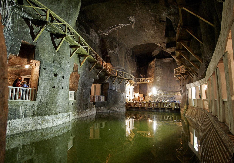 Подземные Озеро Вессель в соляной шахте Величка
