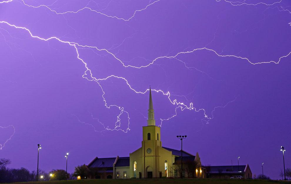 Молнии перед весенним дождем, штат Алабама