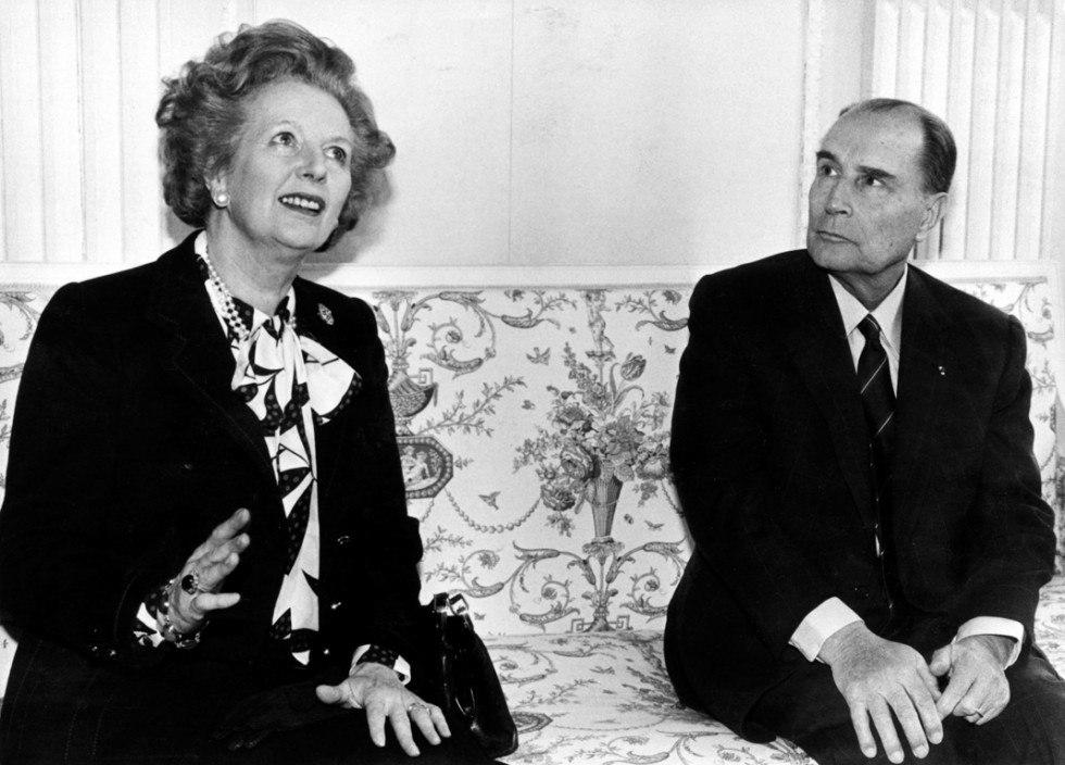Маргарет Тэтчер и президент Франции Франсуа Миттеран в Нормандии