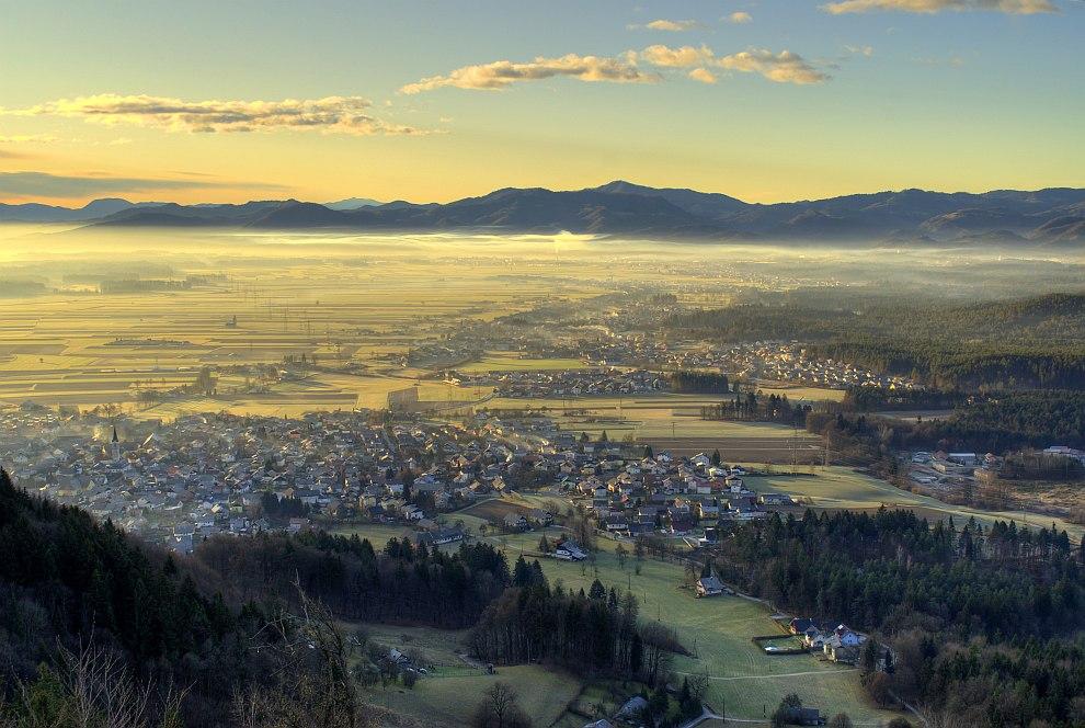 Вид на город Крань с горы Smarjetna gora