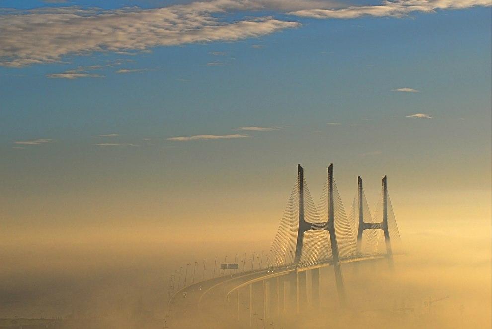 Мост Васко да Гама, Лиссабон, Португалия