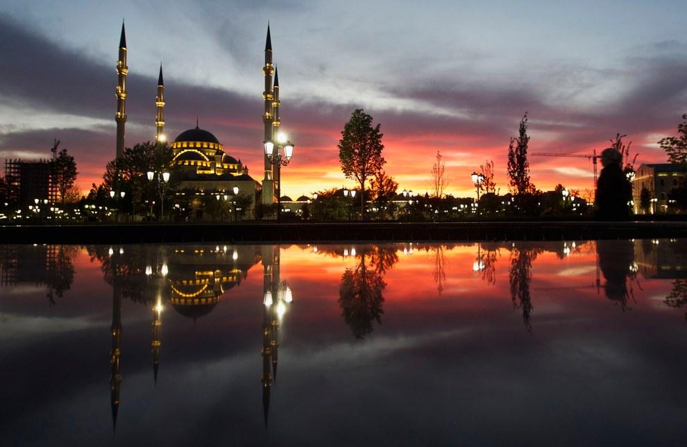 Мечеть «Сердце Чечни» имени Ахмата Кадырова — построенная в XXI веке в центре Грозного мечеть